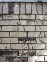 foundation cracks in brick